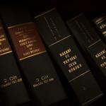 法学院首次女性学生高于男性