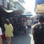 东南亚国家警察取缔小吃摊
