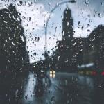 潮湿的空气比干燥的空气重吗?
