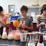 """""""用冰淇淋也能教孩子科学""""她将科普教材趣味化,助上千位偏乡教师点燃学生热情"""