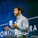 当机器人决定你是否被录取,你专精的工作也可能被机器人取代…LinkedIn执行长告诉我们三个永远能跑在职场前端的重要趋势