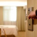 如何聪明地使用旅馆房门服务