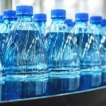 是否需要当心瓶装水中的塑料微粒吗?