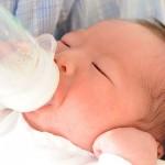 一位母亲捐出14加仑的母乳
