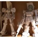 日本巧手中学生完成的当红机器人动画可动纸模型