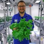 德国科学家在南极收获的蔬菜沙拉