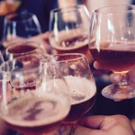 飞机上过度饮酒将巨额罚款