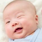 为什么宝宝很少眨眼?