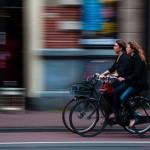 荷兰,付钱让国民骑單車