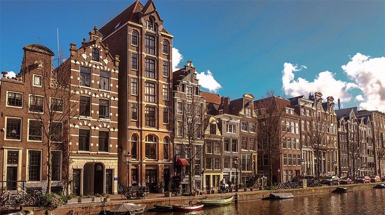 amsterdam-4045137_960_720