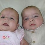 73岁印度高龄妇成功产下双胞胎女