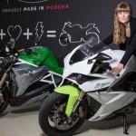 电动摩托赛车-女版Elon Musk
