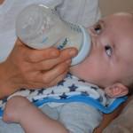 科技新突破 配方奶更类似母奶