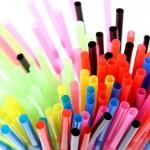 英国将禁用塑胶吸管及搅拌棒