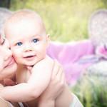 母罹癌截肢 为幼儿勇敢站立