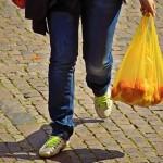 超市及外送服务恶化塑胶危机