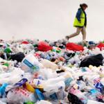 超级酶提高六倍分解塑胶瓶的速度
