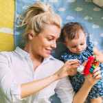 如何在婴儿期减轻自闭症?