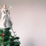 为什么圣诞树顶端要放天使或星星?
