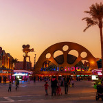 全球最高旋转飞椅在杜拜游乐场亮相