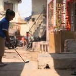 印度贫民窟新流行 高尔夫球